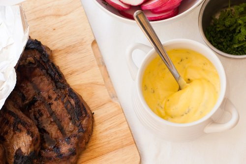 How To Make a Velvety Smooth Bearnaise Sauce