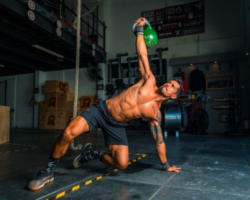 The 10 Best Oblique Exercises for Men To Tone Their Side Abs