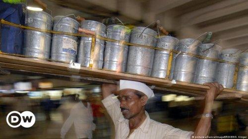 Indien: Lunchboxmen trotzen der Krise