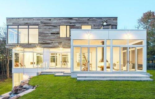 12 Striking Examples of Clerestory Windows in Modern Homes