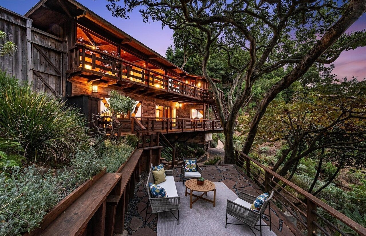 A Redwood-Clad Home With Panoramic Views Asks $1.8 Million in Berkeley, CA