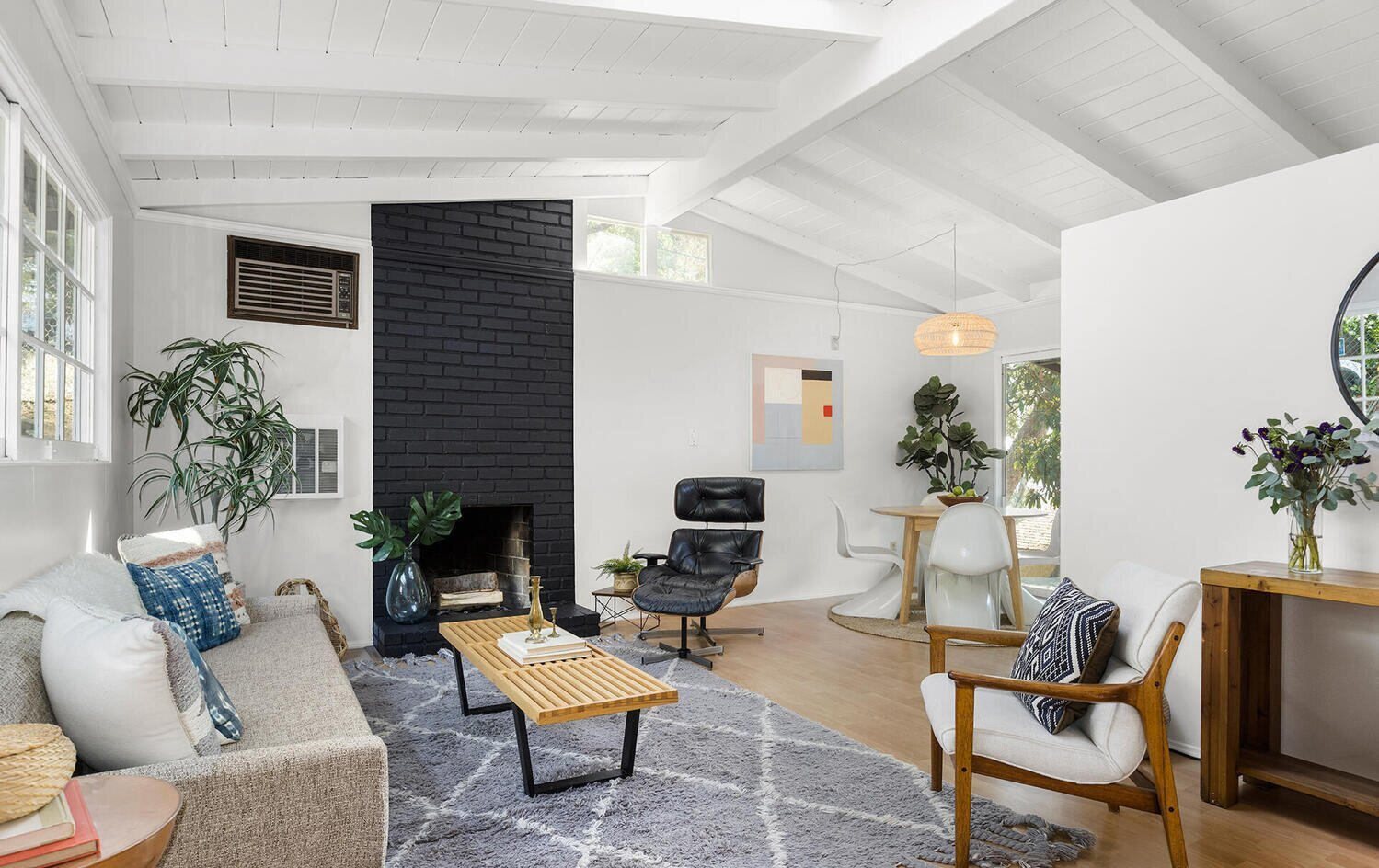 A Charming Los Angeles Bungalow Asks $750K