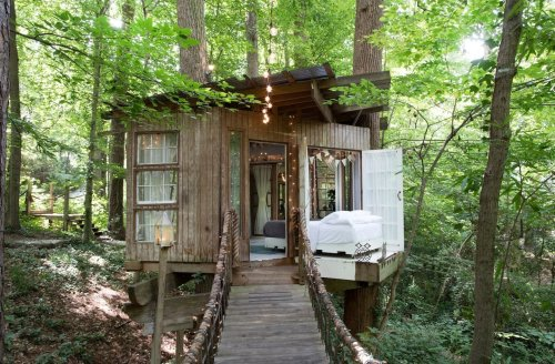 Check Out These 23 Tiny Houses Perfect for an Autumn Getaway