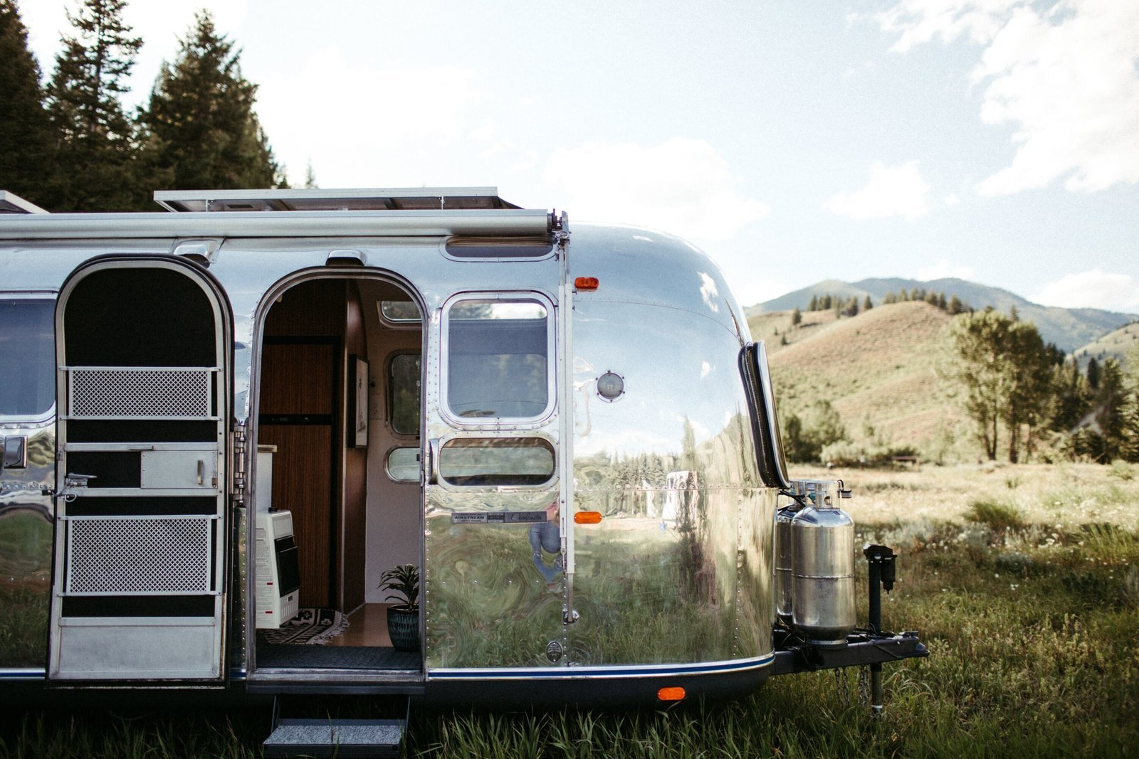 Vintage Airstream Renovation Ideas and Inspiration