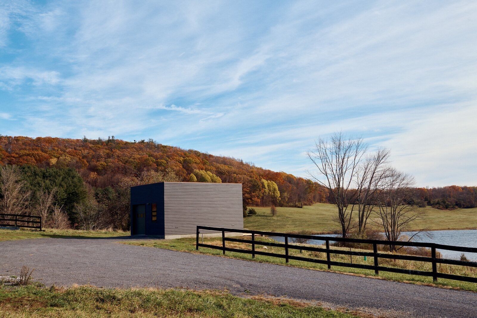 Dutchess County Painter's Studio by GRT Architects