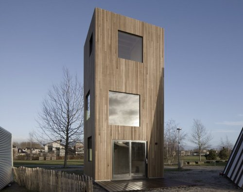 Micro House Slim Fit by Ana Rocha Architecture