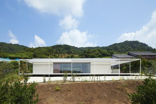 House in Shiraiwa by 2id Architects