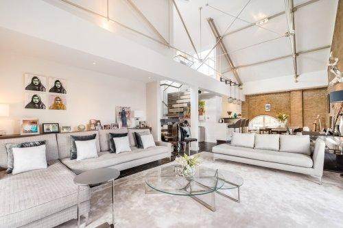 A Penthouse Loft With a Rooftop Jacuzzi Lists for $5.6M in London