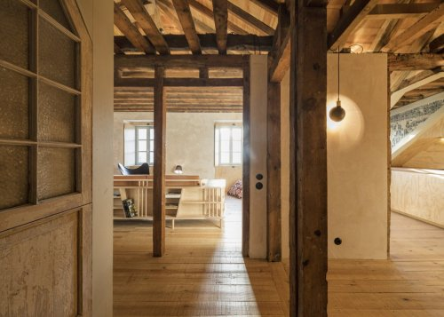 A Carefully Renovated 18th-Century Flat Lists for $815K in Lisbon, Portugal