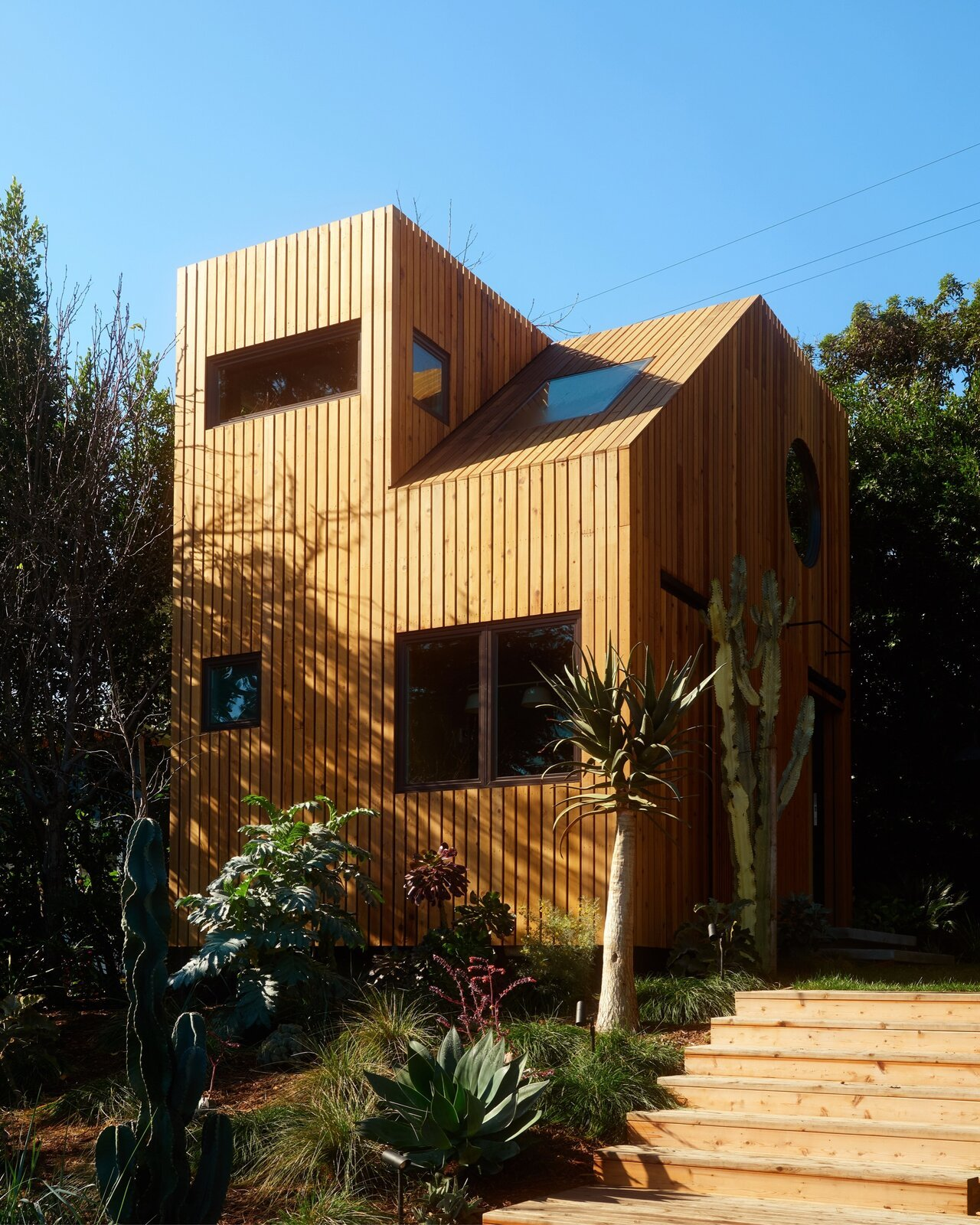Monon Guesthouse by Jerome Byron