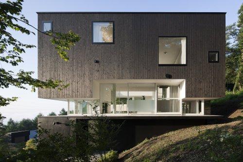 Villa in Miyama by Endo Architect and Associates