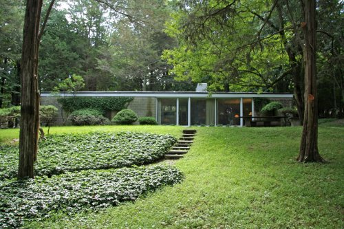 The Booth House Modern Home in Bedford, New York by Philip Johnson