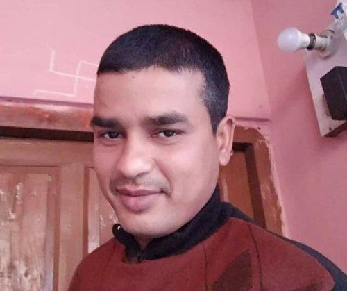 महराजगंज के वीर शहीद जवान के घर अब तक नही पहुंचे जिले के बड़े अफसर और नेता, आक्रोश.. सीएम को बुलाने की मांग