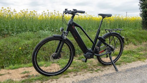 Test O2Feel iSwan Adventure Boost 6.1 : un vélo tout-chemin à assistance électrique homogène et polyvalent