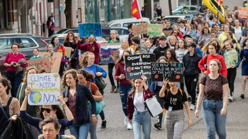Earth Uprising demands climate action with youth-centered climate summit | Earth Day