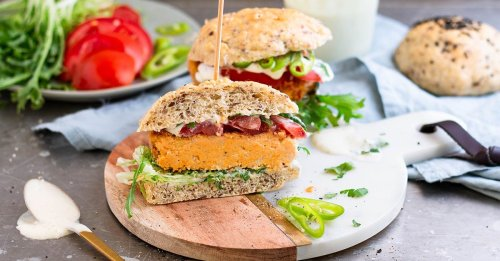 Süßkartoffel-Burger mit veganer Mayonnaise