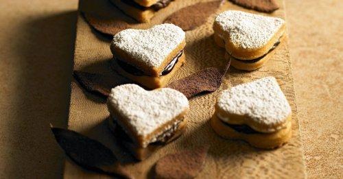 Herz-Kekse mit Schokofüllung