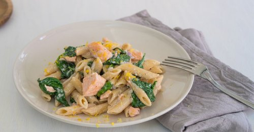 Unser Rezept für Lachs-Spinat-Pasta ist himmlisch