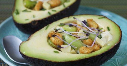 Gefüllte Avocado mit Hähnchen