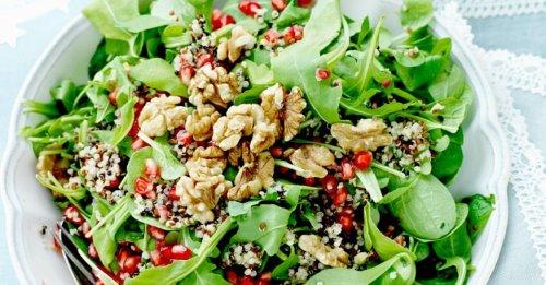 Quinoasalat mit Walnüssen und Granatapfel