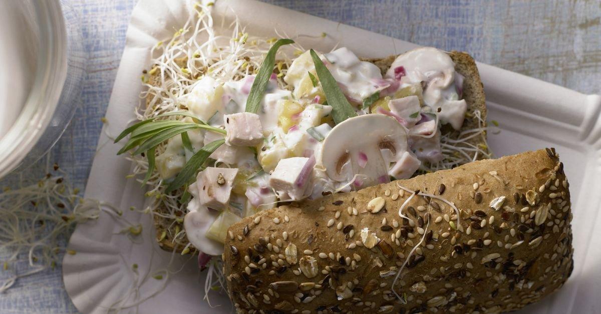 Geflügelsalat-Brötchen