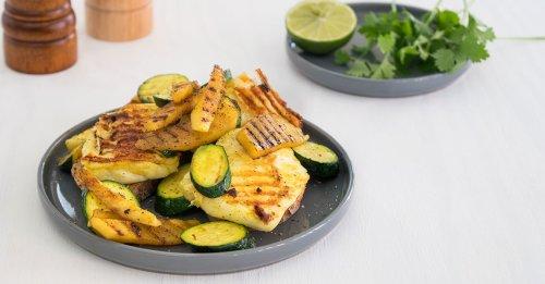 Grill-Halloumi mit Mango und Zucchini