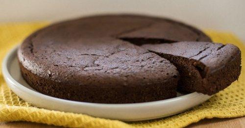 Schokoladen-Tarte mit Datteln