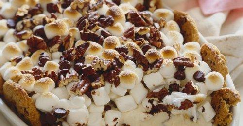 Eiscreme mit Marshmallows überbacken