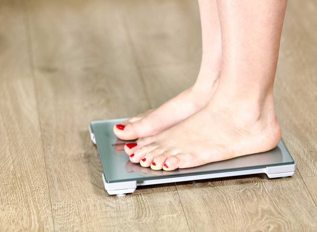 50 Ways to Lose 10 Pounds Fast, According to Experts