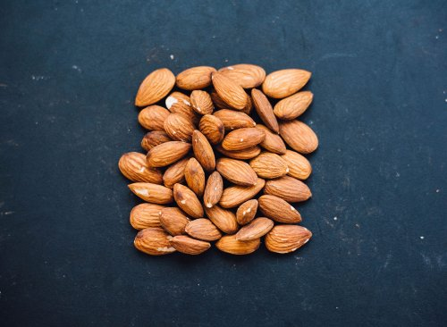 Popular Foods With More Vitamin E Than Almonds | Eat This Not That