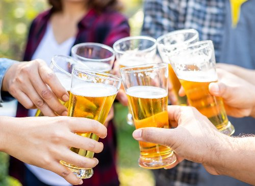 This Is the Exact Amount of Alcohol That Derails Weight Loss, New Study Says | Eat This Not That