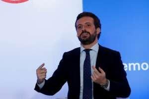 Casado contraprograma a Sánchez para desmentir su discurso triunfalista