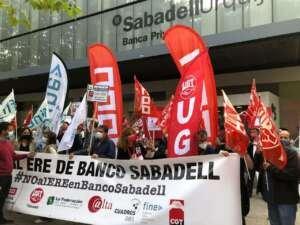 La plantilla del Sabadell hará huelga el 6 y el 8 de octubre por el ERE