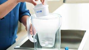 El filtro para el agua que reduce cal y cloro 'top ventas' en Amazon está de oferta