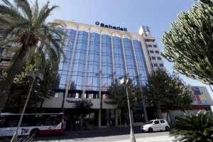 Sabadell propone prejubilaciones con un tope de 270.000 euros