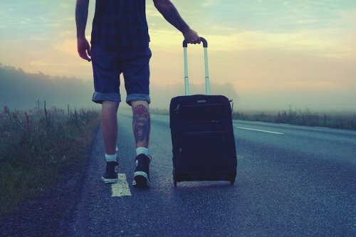 How To Keep Calm When Moving To A New Country - Ecophiles