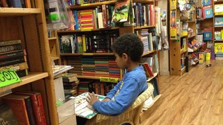 10 Ways to Cultivate a Love of Reading in Students