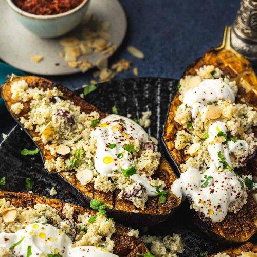 Auberginen aus dem Ofen mit Chermoula und Bulgur - Eine Prise Lecker