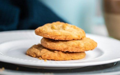 Macadamia-White-Chocolate-Cookies