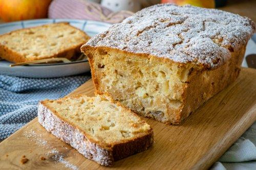 Saftiger Apfel Marzipan Kuchen – einfach, lecker und herbstlich