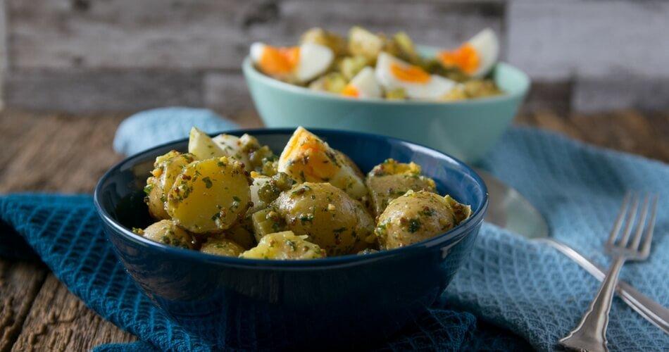 Dieses Rezept für Kartoffelsalat ist genial & einfach - leicht & ohne Mayo