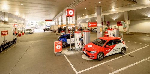 Norway bans gas cars in 2025. But trends point toward 100% EV sales as early as April