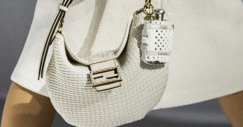 Die Croissant Bag: der neue Trend bei Handtaschen im Sommer 2021?