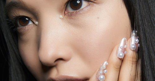 Maniküre-Trend: Perlenkunst auf den Nägeln sind schön und easy gemacht