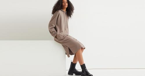 Gemütlicher als die Jogginghose im Herbst 2021: Sweatshirt-Kleider sind jetzt Modetrend!
