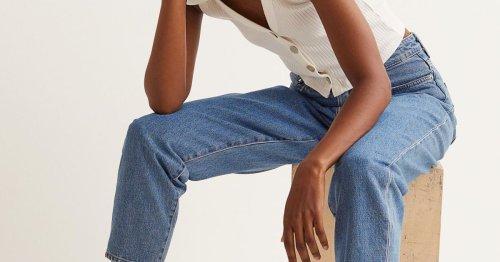 Diese Jeans von H&M ist der perfekte Modetrend für Pullover und Co.