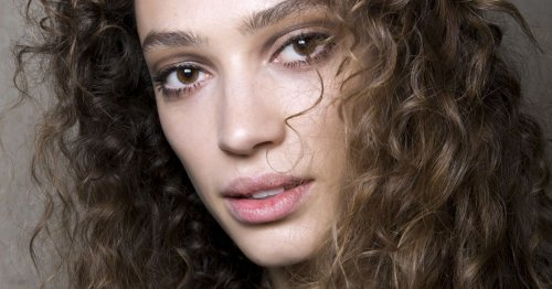 Frisuren-Trend Curly Girl Methode: So bekommen glatte Haare Locken!