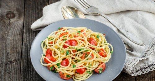 Nudeln ohne Kochen: Das Rezept für Spaghetti alla Crudaiola ist der Hit im Sommer!