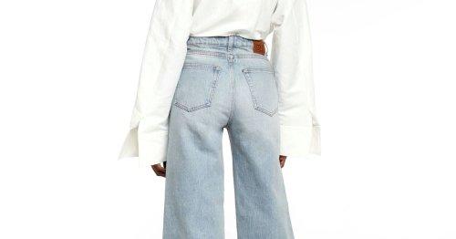 Jeans mit Glockenbein? So sieht die Hose aus, die jetzt Modetrend ist