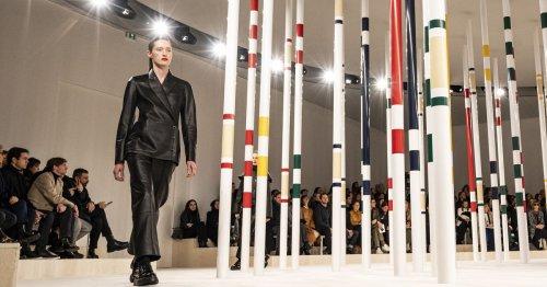 Modetrend: Diese 3 Leder-Looks sind im Herbst 2021 angesagt!